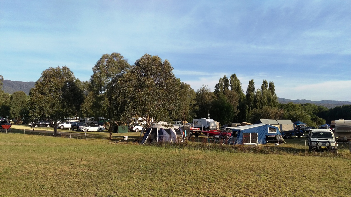 Powered and un-powered camp sites