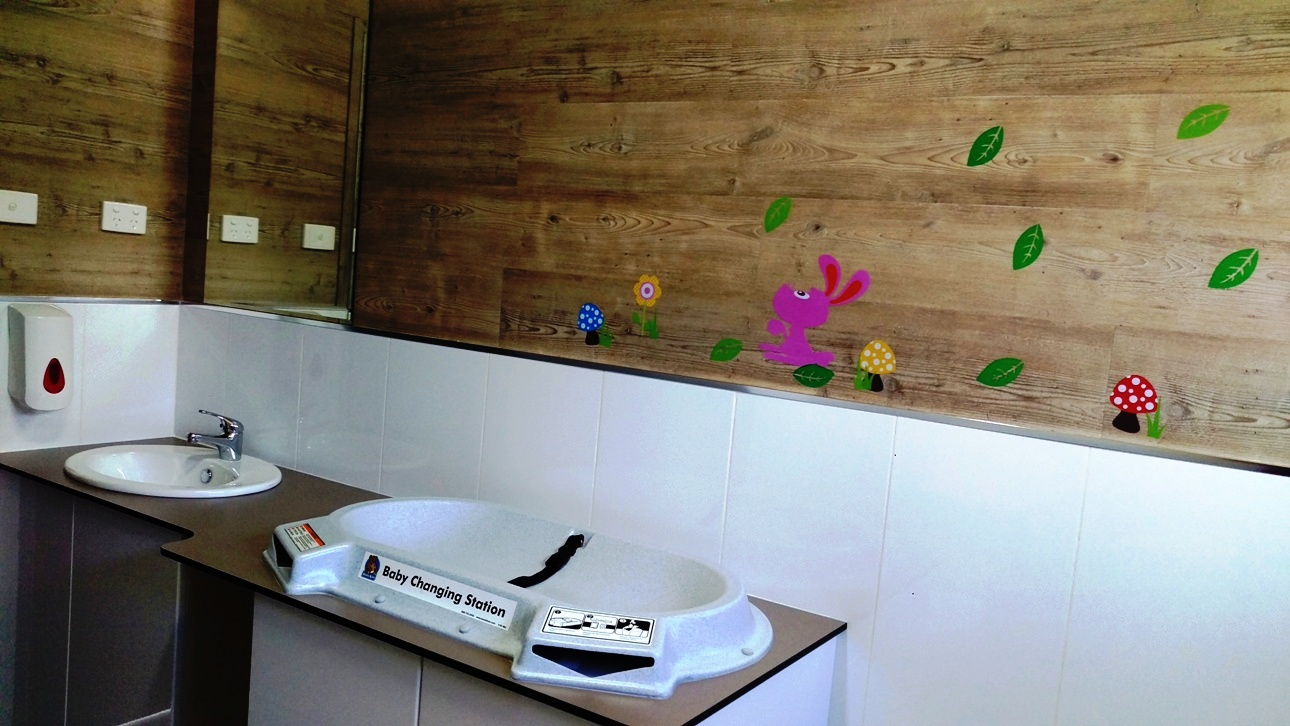 khancoban caravan park family bathroom 2