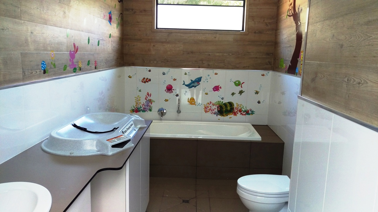 khancoban caravan park family bathroom